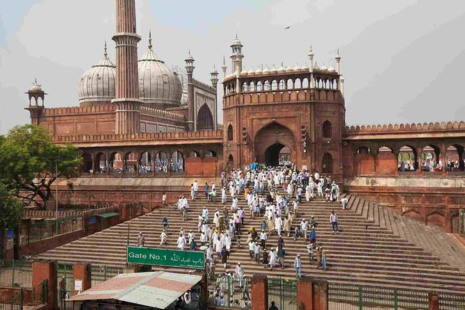 5-Hour Private Guided Cultural Tour of Delhi with Transport