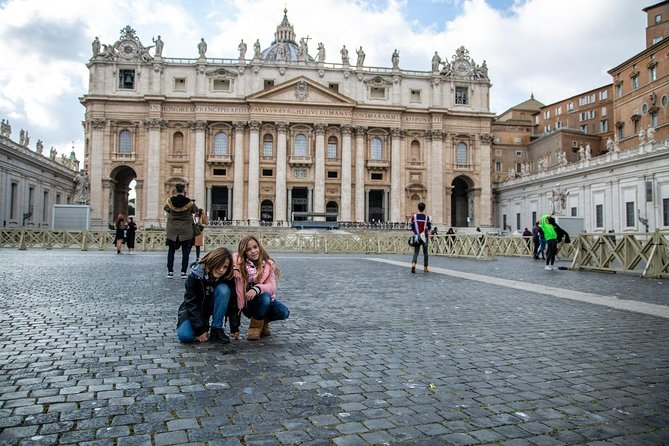 Kid-Friendly Tour with Sistine Chapel and St Peter
