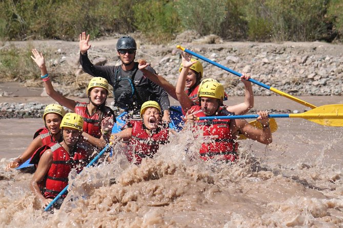 Mendoza: Full day Potrerillos: Rafting down the Mendoza River and Rappelling Trekking