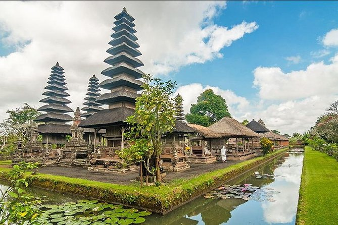 Half-Day Private Car Charter to Bali Tanah Lot Temple
