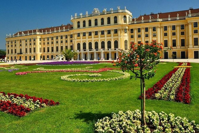 Private Transfer to from Bucharest to Vienna City Austria Price/Car 1-8 Seats