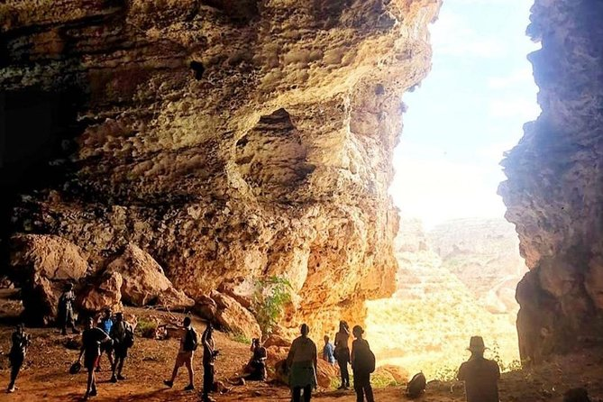 Full Day Private Guided Hiking Tour of Salalah Teeq Cave
