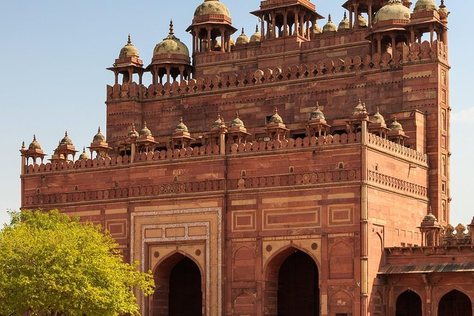 2-Days Private Tour to Agra with Midhakur Village from Delhi