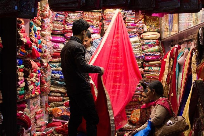 3 Hour Guided Walking Tour of Alleys and Bazaars in Varanasi