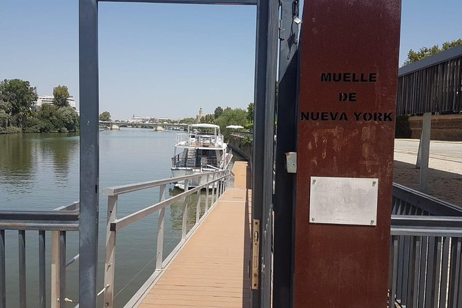Lunch on a yacht through the Guadalquivir Seville