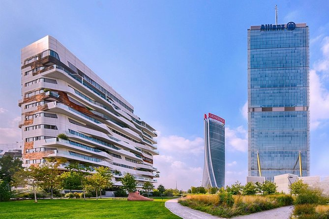 Modern Milan: guided tour Porta Nuova and City Life