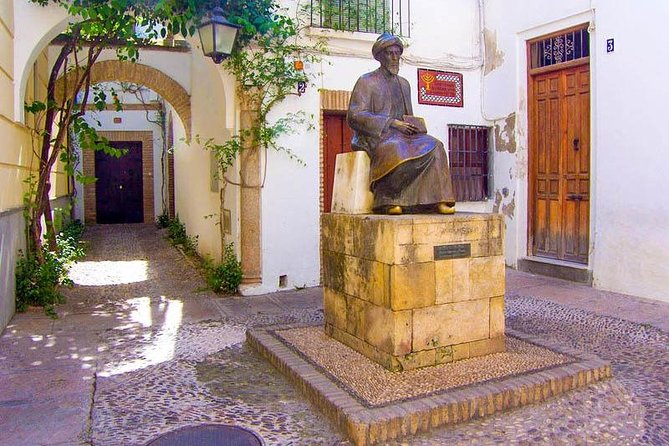 The Mosque Cathedral and Jewish Quarter Guided Tour in Cordoba