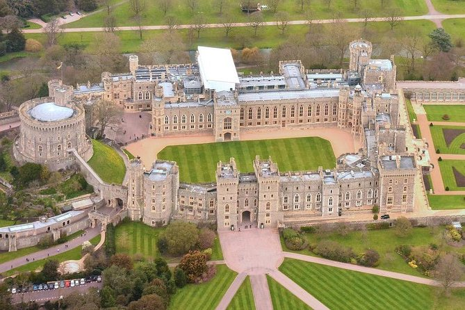 Private Tour to Windsor Castle with London Hotel Pick Up