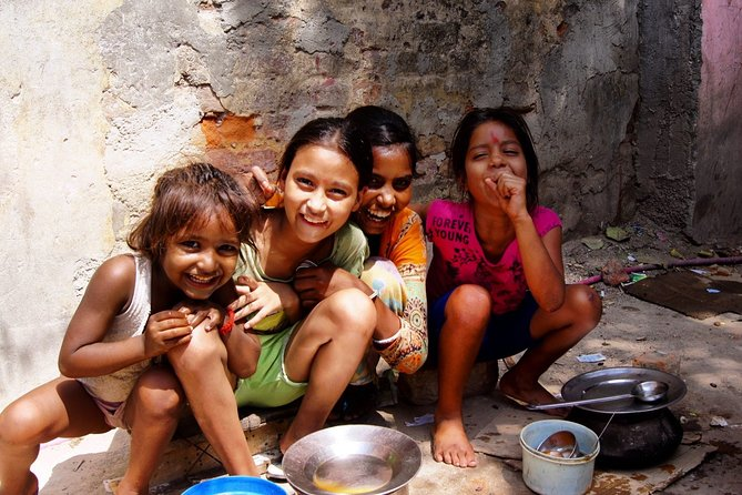 5-Hour Delhi Slum Private Tour