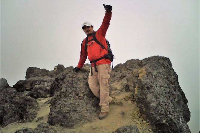 Full-Day Rumiñahui Volcano Climbing Tour with Lunch