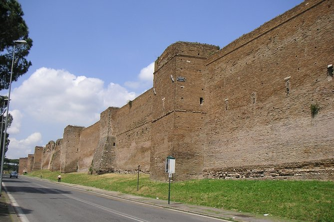 Roman Catacombs and Ancient Appian Way Skip-The-Line Included Halfday from Rome