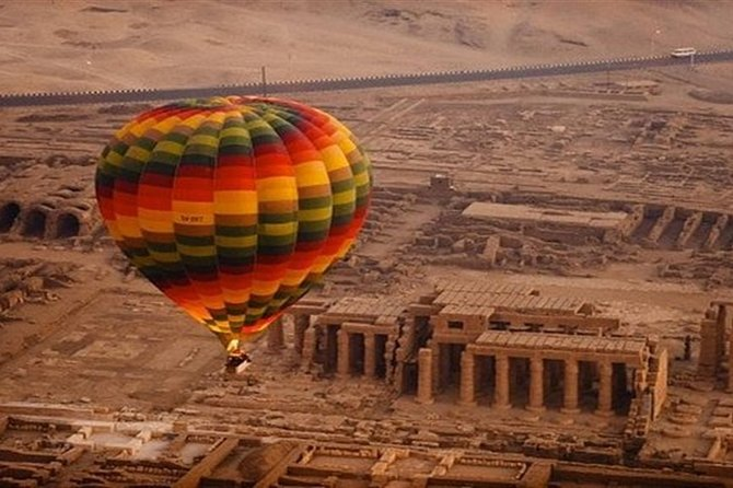 Private Full-Day Luxor West and East Bank Tour from Cairo