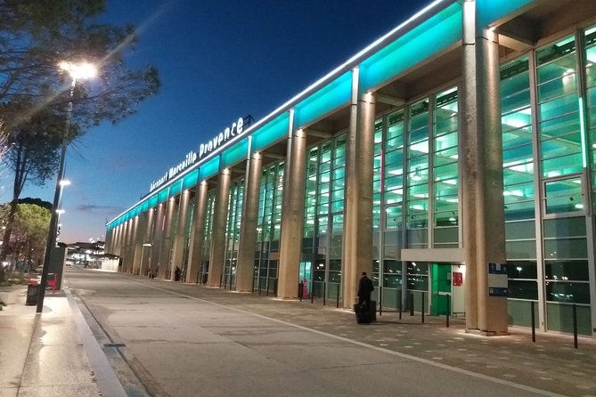 Private transfer from Avignon to Marseille Airport