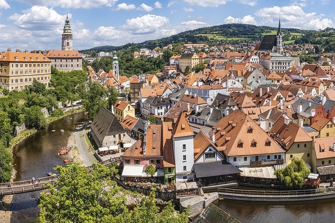 Prague to Hallstatt Private transfer via Cesky Krumlov with tour and lunch