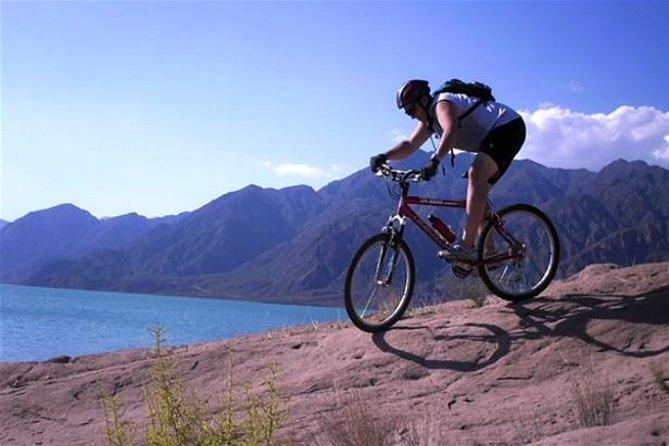 Mendoza: Full day Potrerillos: MOUNTAIN BIKE and CANOPY ADRENALINA