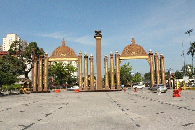 7D6N Stay in traditional house, learn to do BATIK print & explore Kota Bharu!
