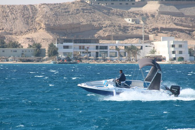 2 hour speedboat & snorkeling - Hurghada German