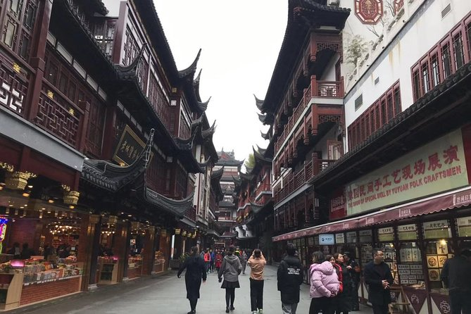 Private Tour of Shanghai Must-see Attractions with Lunch and Pickup