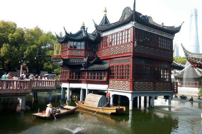Private Tour of Shanghai Ocean Aquarium, the Bund, Yu Garden and Shanghai Tower