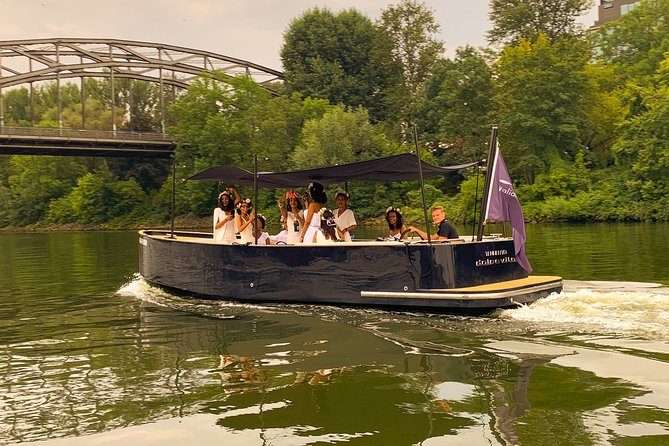 Tender boat tour for up to 12 guests