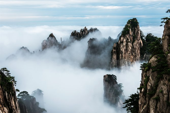 Private 3-day Tour featuring Hiking in Mt.Huangshan & Tunxi Ancient Street