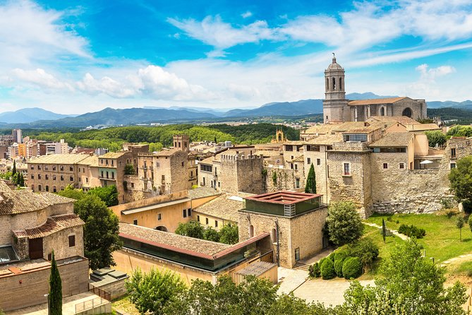 Girona Old Town and Cathedral Tour: tickets included