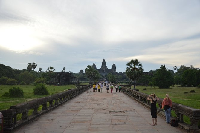 To explore Angkor Wat for 3 days
