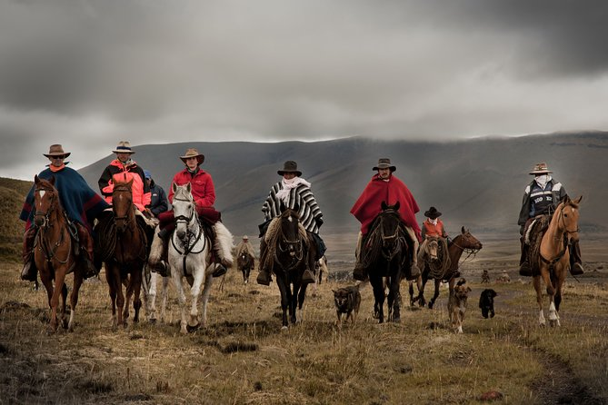 Horseback Riding with Chagras cowboys 5 Days Private