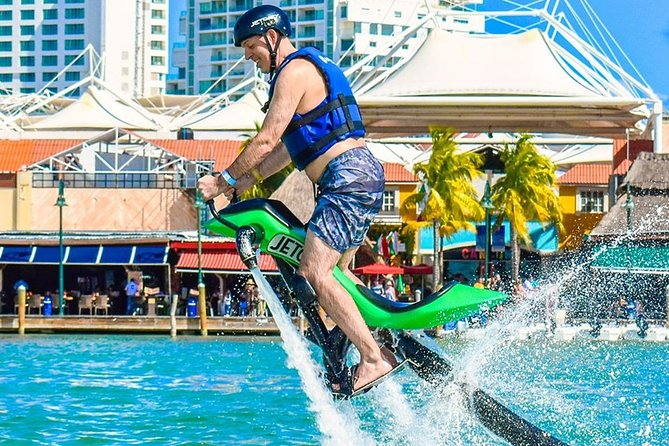 Feel the adrenaline on a JETOVATOR in CANCUN. Training, Equipment, Instructor.