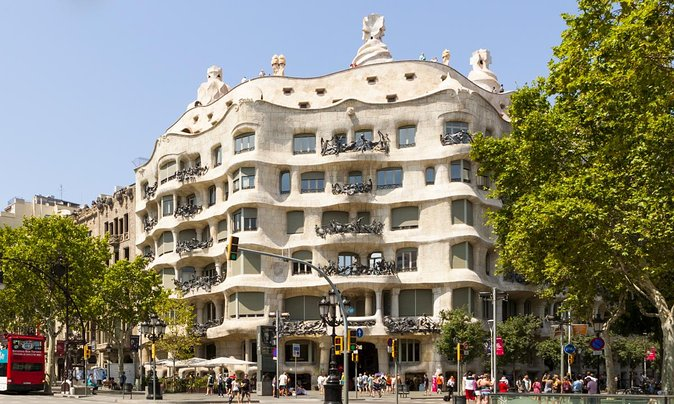 A 360˚ Virtual Tour of La Pedrera in Barcelona