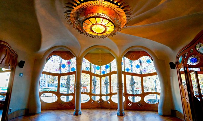 A 360˚ Virtual Tour of Barcelona's Casa Batlló
