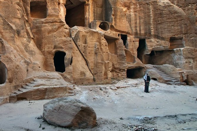 Jordan Horizons Tours : Petra Guided Trails ( Little Petra via Siq al-Barid )