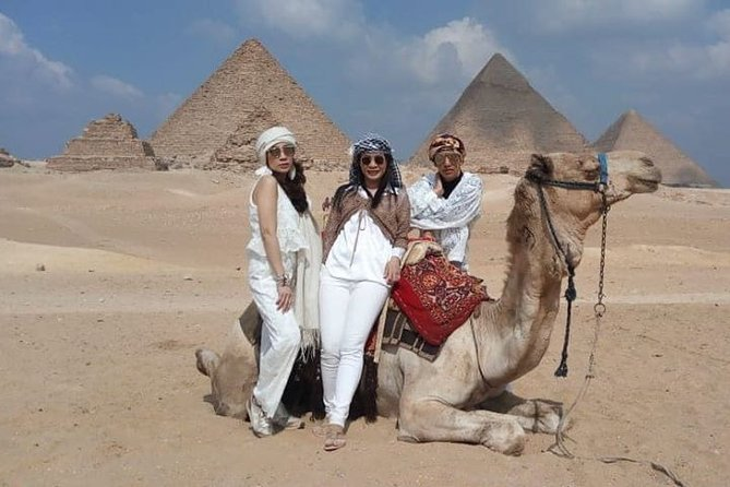 Best Tour: Giza Pyramids, Sakkara and Memphis