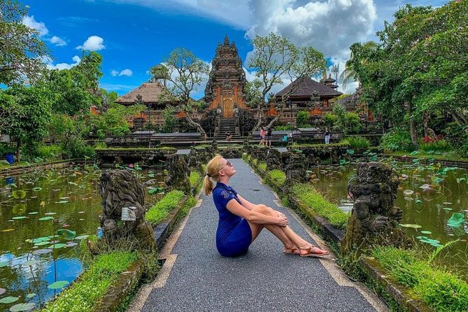 Full-Day Bali Car Charter to Visit Ubud and Uluwatu Temple