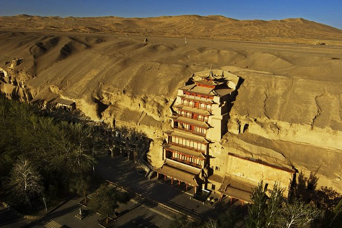 1-Day Dunhuang Tour to Crescent Lake,Mogao Grottoes and Shazhou Night Market