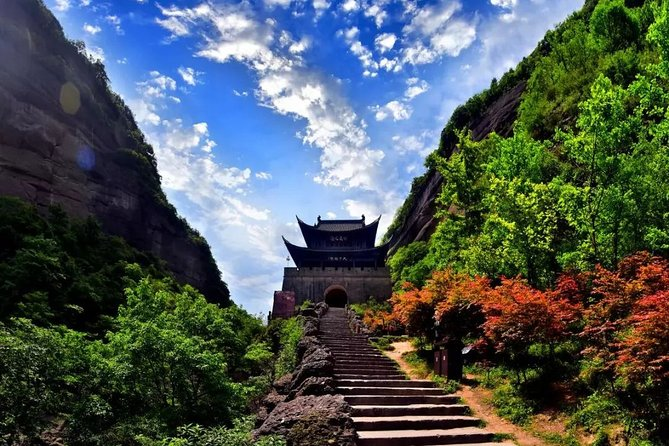 2-Day Private Tour: Jianmenguan and Langzhong Ancient Town from Chengdu