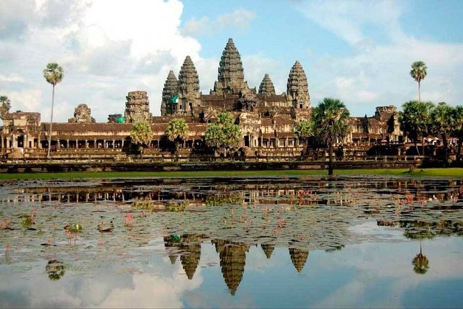 Full-Day Angkor Wat Temples with a local Tuk Tuk Tours
