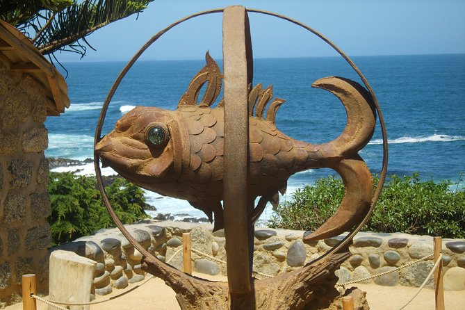 Santiago: Shared full day tour Pomaire & Isla Negra, include entrace Nerudahouse