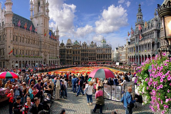 Guided tour of Brussels with private driver