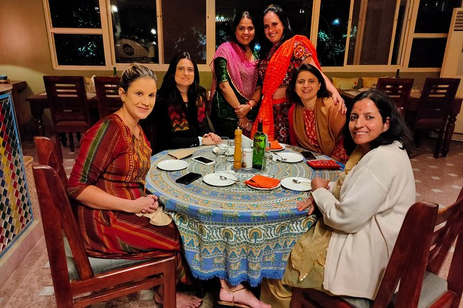 3-Hour Cooking Class with an Indian Family