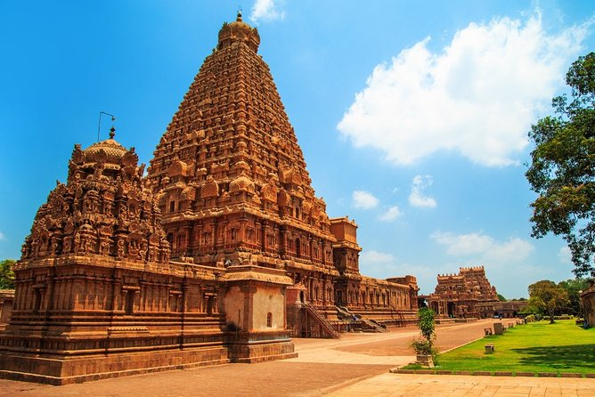 One-Day Tour from Madurai to Trichy and Thanjavur