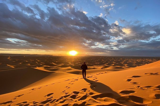 In Merzouga: Half day 4x4 Safari at Sunset with sandboarding in Erg Chebbi dunes