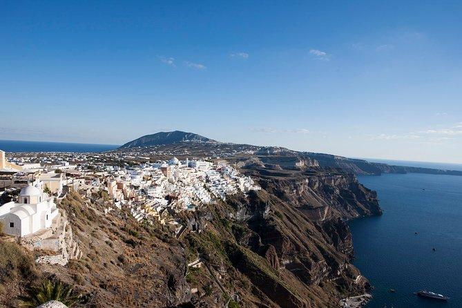 Visit the Highlights of Santorini island.