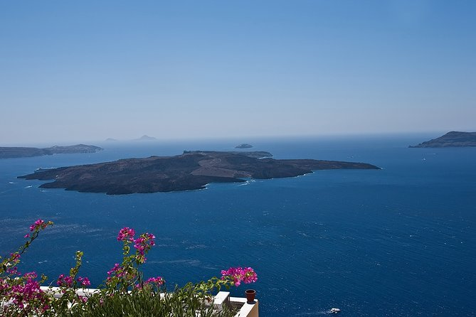 Discover the Real Santorini.