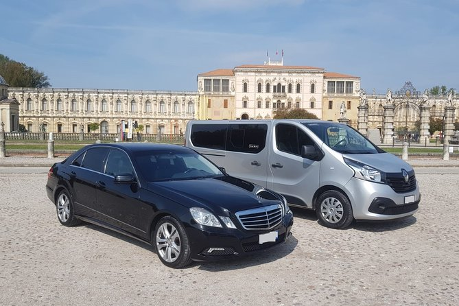 Stockholm Bromma Airport (BMA) to Stockholm City - Round-Trip Private Transfer