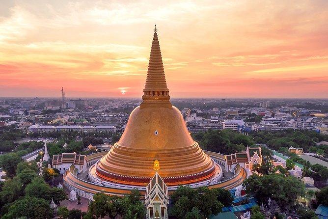 Maeklong Railway Market, Floating Market & Nakhon Pathom City Tour from Bangkok