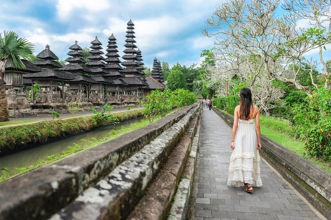 The Sekumpul Waterfall and Temple Private Tour