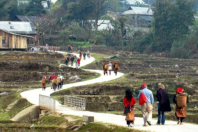 Special trekking to 5 isolated villages in Sapa 3 days 4 nights