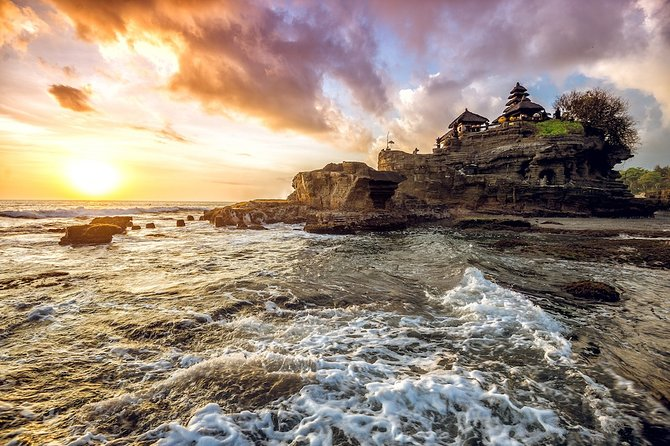 Tanah Lot Bali Temple Sunset Private Tour – Half Day
