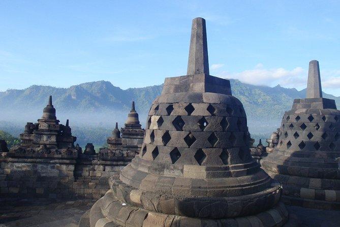 Borobudur Sunrise & Prambanan